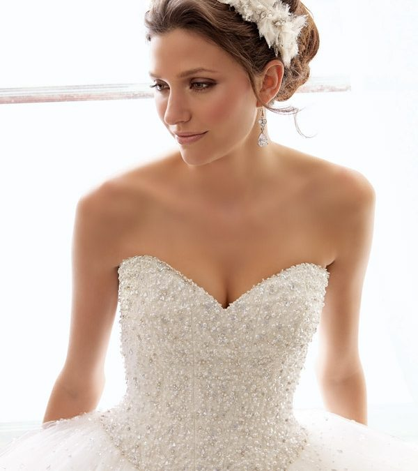 An Elegant Strapless Gown with a Charming Sweetheart Neckline
